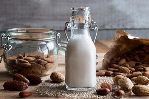 Nutrisi Almond Almond paling enak dinikmati