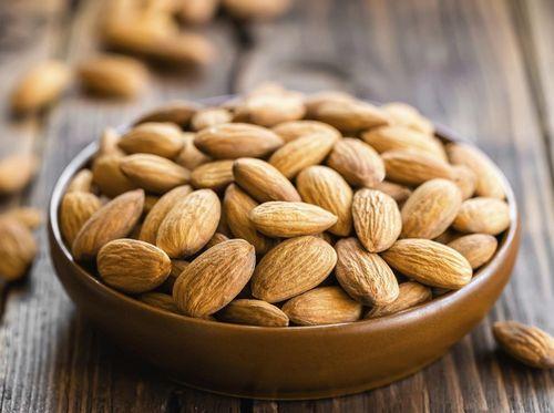 Nutrisi Almond Selain nutrisi tersebut, kacang juga